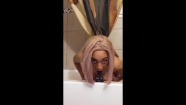 Amateur DEEPTHROAT (part 2) no hands sexy Ebony