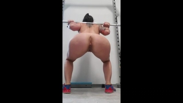 Naked women in sports Fit milf squatting in the gym naked. powerlifting motivation, lets go