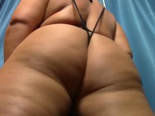 Shaking round pawg ass bbw milf...