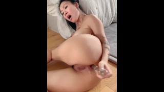 Fucking the Creampie out of my asshole