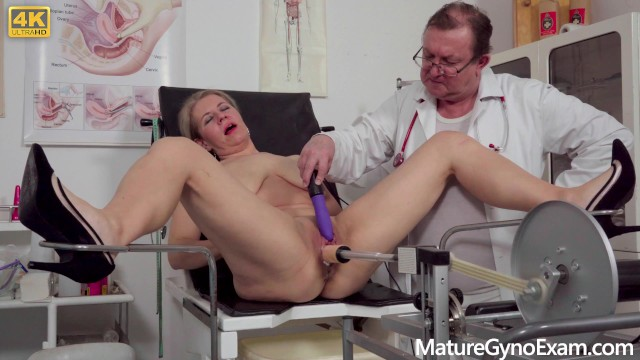Erotic exam gyno mature - Horny mommy examined and made to cum by freaky doctor