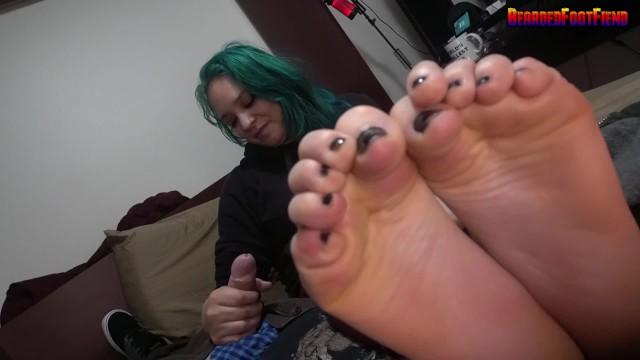 Latina handjob vids - Blue hair spanish cutie foot worship handjob huge cumshot - full vid below