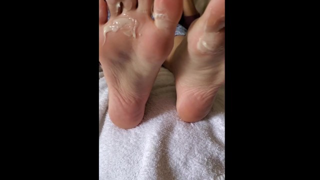 Clean cum off computer Dirty foot worship lick cum feet