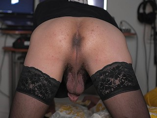 Smooth bottom ab coxx farting pov in stockings...