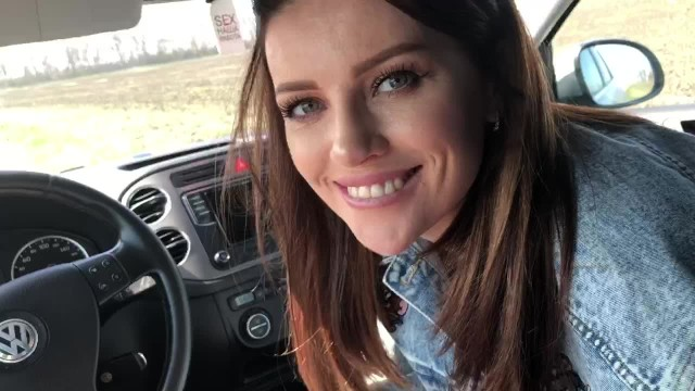 Sperm mom - She loves to suck dick in the car and eat cum