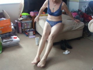 """REFRESHING MY HOT SEXY FEET!"" SEXY BARE LEGS TRANSPARENT UNDERWEAR BLUE!"