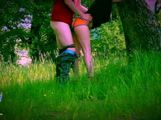 Sex in forest - Amateur couple has quick sex against a tree