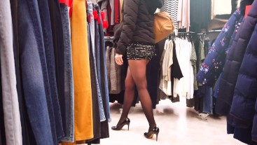 Hidden cam, Spying a MILF in mini-skirt and puffy jacket
