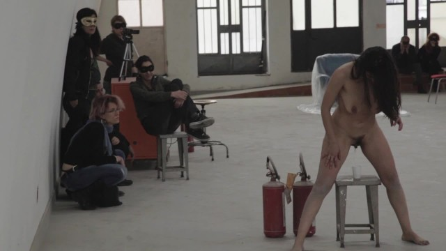 Nake women art - The perfect human - performance art by rosario gallardo naked in public