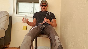 Covid-19 Lockdown - Pissing grey jeans 5 times on my porch