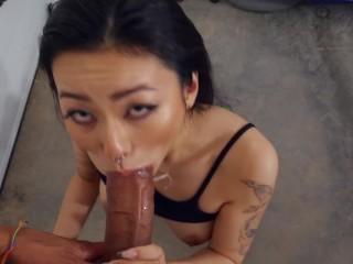 Trueamateurs fucks her boyfriend in the garage...
