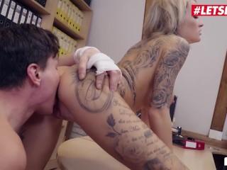 Bums Buero – Sexy Blonde Secretary Gives Boss A Hand – LETSDOEIT