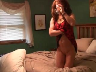 Hot cd courtney jamieson drinks her own pee...