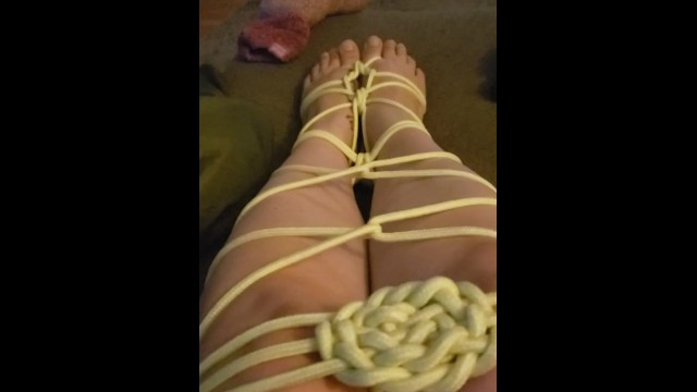 Mermaid tie, foot fetish 4
