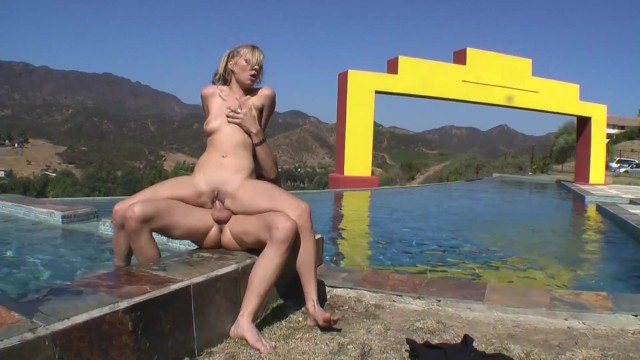 Hot Couple Enjoy Intense Fucking on Top of the Mountain Pool Resort 16