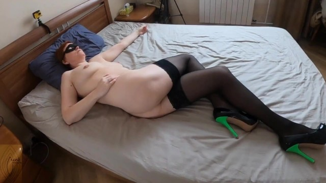 Mature spread legs - Watching crossed leg orgasm and leg humping goes to cum on tits
