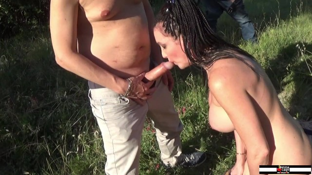 Sissy Neri aperta in culo davanti al guardone segaiolo 10