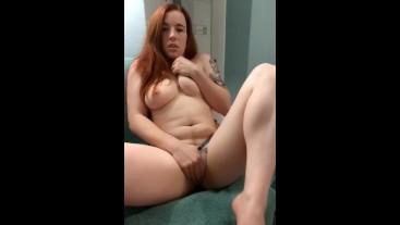 Needy Girlfriend Sexting on Snapchat