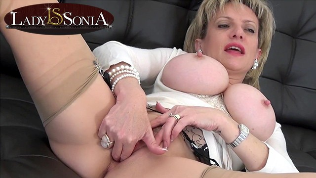 Sonia sux porn video Aunt lady sonia making a special video just for you