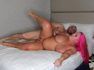 Thick Ass Milf Gets Her Pussy Pounded
