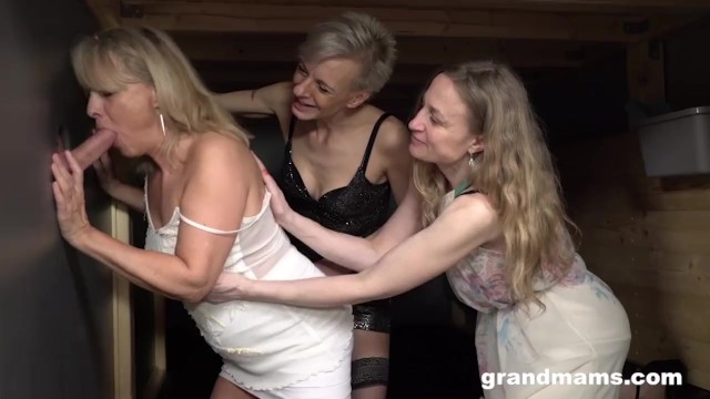 Granny adult free videos - Triple blonde granny orgy