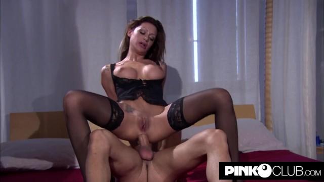 Italian pornstar - Elena grimaldi wants to take it in the ass