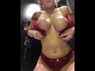 Big Boob Teen Tries on Bras in Public + Huge Boobs Can't Fit into Bra