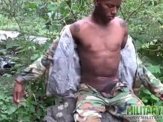 Sexy private flashes his butt sun...