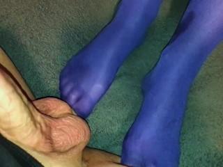 76 blue nylon pantyhose ballbusting cum...