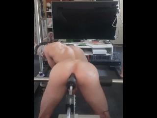 Harter arschfick doggy gaping porno mit einer fickmaschiene...