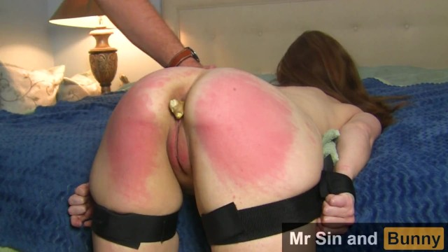 Cih mitts adult g Redhead milf takes hot cim, tied up and anally punished figging