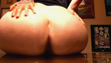 BARE ASS FART ON A GLASS TABLE
