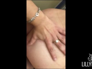 Teenie Girl get fucked into an Public Changing Room