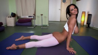 BANGBROS - Fit MILF Ava Addams Does Yoga & Gets Her Big Ass Fucked