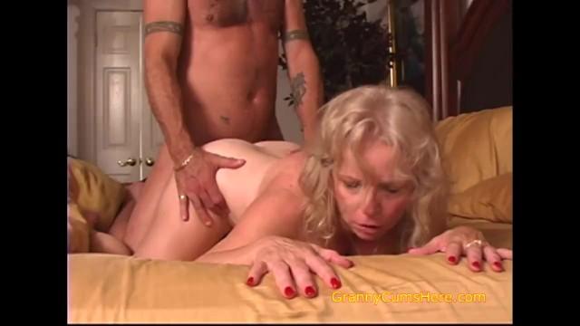 Old lady cums Slutty grannys need dick too