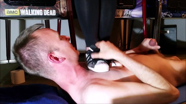 Hard Tramping with Adidas Superstar 29