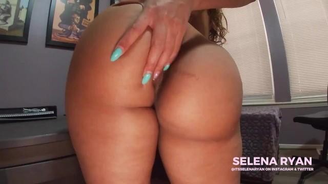 Amateur naked girl kissing Bubble butt latina naked twerking - selenaryan