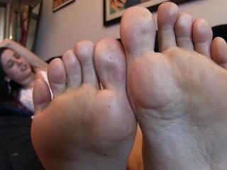 Jamie Daniels Füße kitzeln