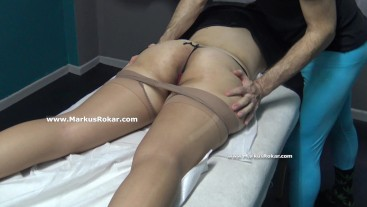 Milf with Period Allow Masseur to Touch her Vagina but No Fuck her Pussy !