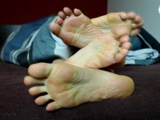 Two girls morning feet foot fetish pov...