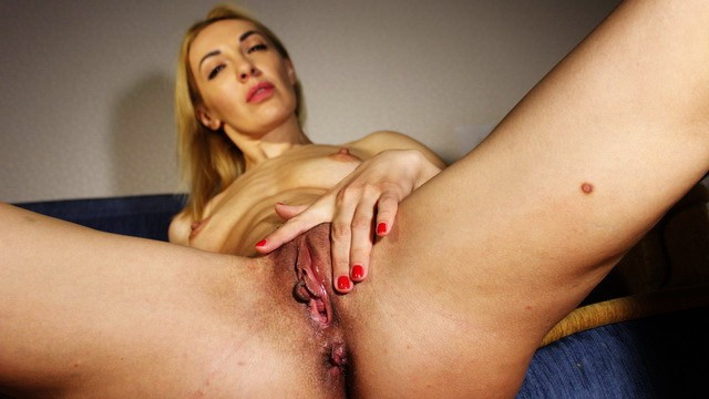 RUSSIAN STEPMOM TEACHED STEPSON LICK PUSSY. JOI WITH DIRTY TALK