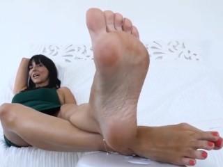 Stella Liberty Mom Foot Fetish Joi!
