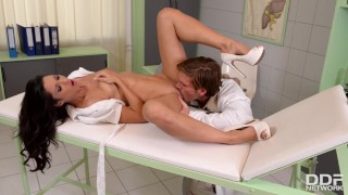 Hardcore anal sex threesome with Nurse Alexa Tomas's horny holes stretched