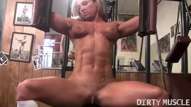 Nude ripped bodybuilder blog Sexy female bodybuilder shows off her crazy nude body