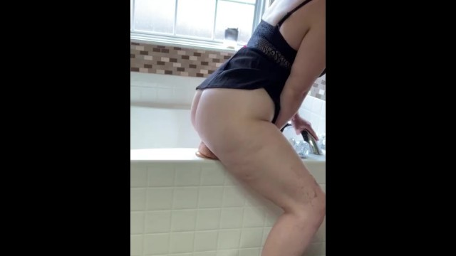 Twerking Skills Come in Handy on a Dildo 3