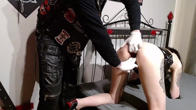 Bikers cock sucked by gang members - Corona infected girl is fisted and fucked by members of a biker gang