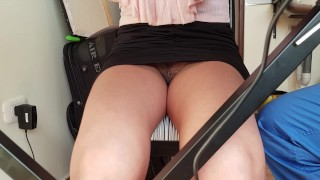 upskirt college girl no panties