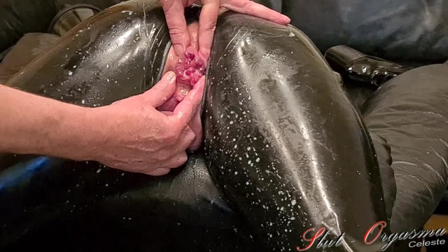 Sklavin anal geschichten Slave slut-orgasma celeste in black latex stretched holes, enema and orgasm