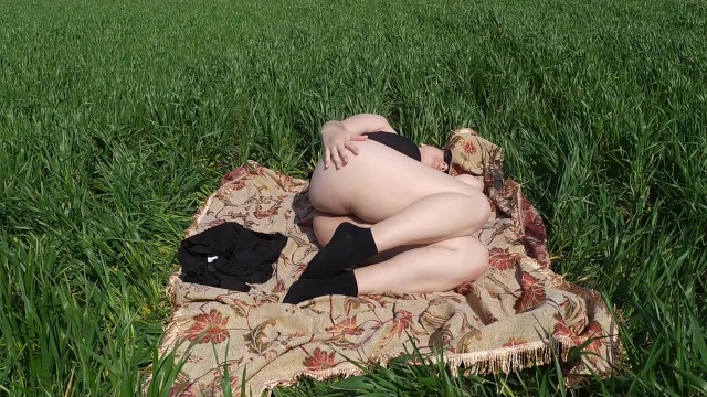 Tourist blonde girl maturbate her pussy to real orgasm in the grass field 21