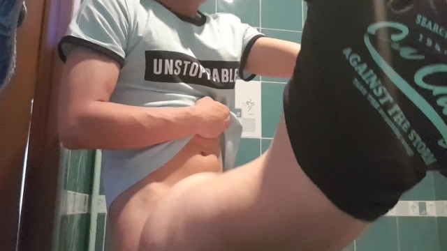 Free home peeing video - Doggystyle beauty while mom is not at home